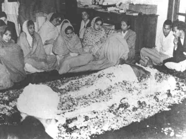 At the death bed of Mahatma Gandhi at Birla House, New Delhi