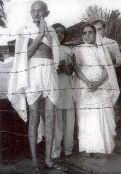 Gandhi during prayer meeting on Juhu Beach, Mumbai, May 1944.