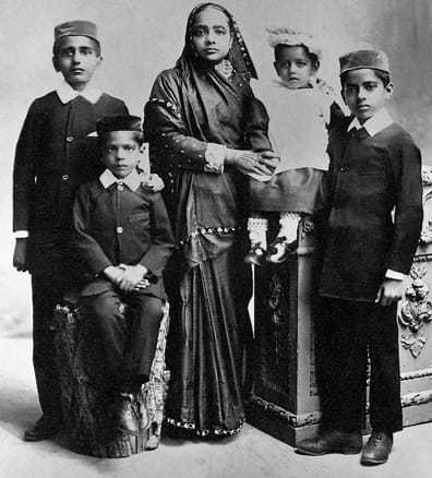 Kasturba Gandhi and her four sons, Harilal Gandhi, Manilal Gandhi, Ramdas Gandhi & Devdas Gandhi, in South-Africa, 1902.
