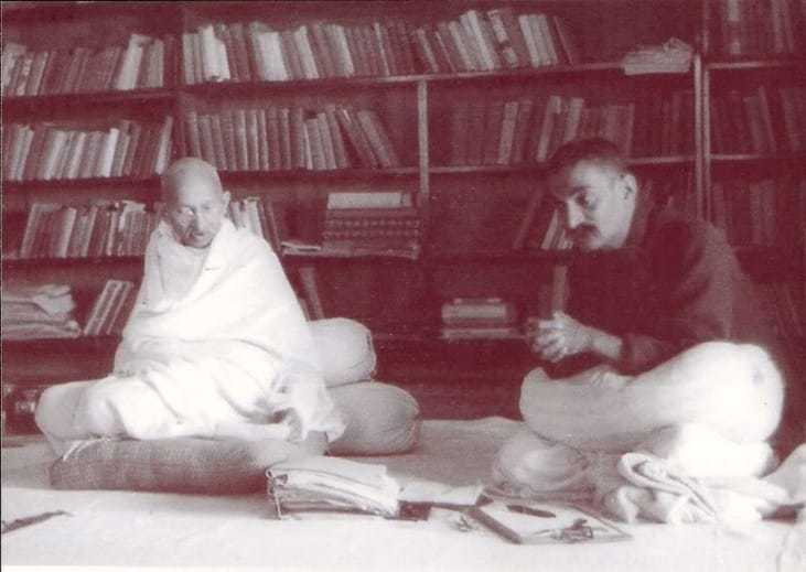 Mahatma Gandhi in conference with Rajendra Prasad at Swaraj Bhavan, Allahabad, February 1931.
