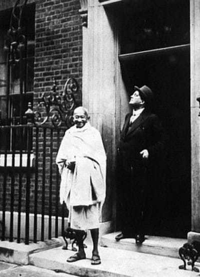 3rd November 1931, Mahatma Gandhi arriving at No 10 Downing Street, London, for a conference with Prime Minister Ramsay Macdonald.