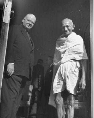 President Herbert Clark Hoover, 1946, with gandhi in India
