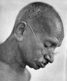 Gandhi during prayer at Mumbai. September 1944.