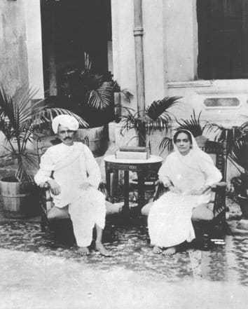Gandhi and Kasturba in 1915.