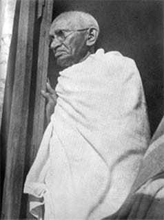 Gandhi in noakhali. 1947.