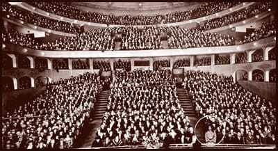 Paramahansa Yogananda at the Philharmonic Auditorium, Los Angeles, 1925