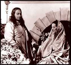 Paramahansa Yogananda and Sri Daya Mata in 1932