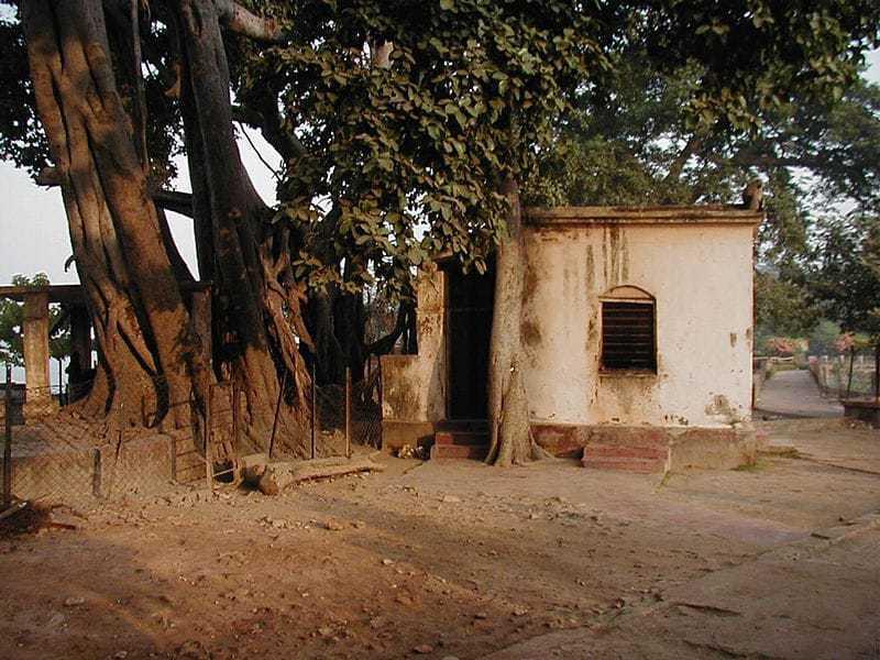 The panchavati hut where Ramakrishna practiced his spiritual practices.