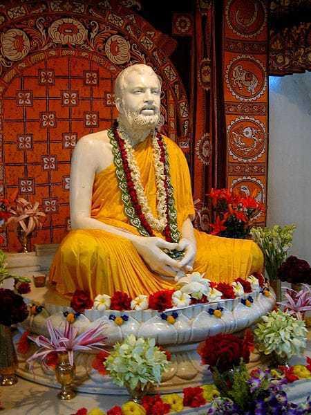 The Marble statue of w:Ramakrishna at Belur Math.